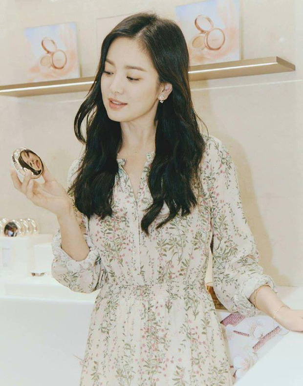 Song Hye Kyo cũng có nhược điểm vóc dáng gây tự ti và đây là 2 cách cô chọn trang phục để khắc phục điều này - Ảnh 8.