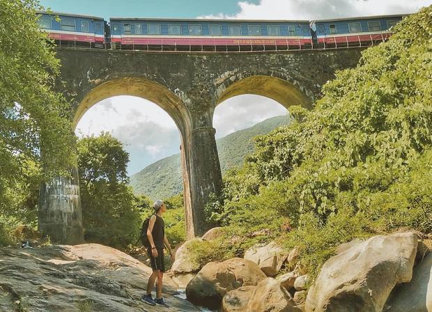 """Hot nhất Đà Nẵng hiện tại chính là """"cổng trời"""" mới toanh dưới chân đèo Hải Vân, nơi có đoàn tàu qua núi đẹp hệt trong phim - Ảnh 28."""