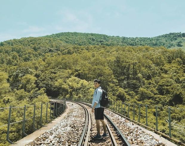 """Hot nhất Đà Nẵng hiện tại chính là """"cổng trời"""" mới toanh dưới chân đèo Hải Vân, nơi có đoàn tàu qua núi đẹp hệt trong phim - Ảnh 8."""