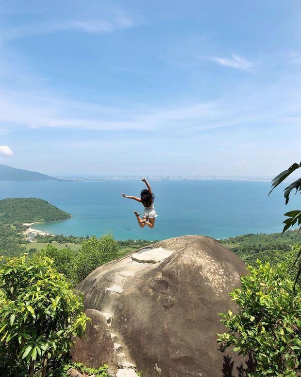 """Hot nhất Đà Nẵng hiện tại chính là """"cổng trời"""" mới toanh dưới chân đèo Hải Vân, nơi có đoàn tàu qua núi đẹp hệt trong phim - Ảnh 3."""