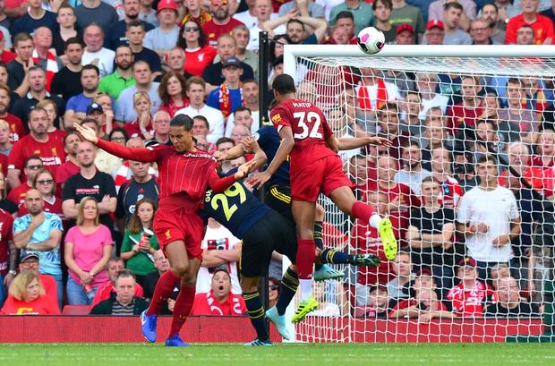 Vua Ai Cập Salah lập cú đúp, Liverpool thắng dễ Arsenal để độc chiếm ngôi đầu Ngoại hạng Anh - Ảnh 4.