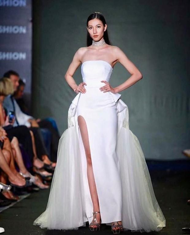Mỹ nhân 9x vừa đăng quang Hoa hậu Hoàn vũ Lào: Xinh đẹp rụng rời, chiều cao khủng và nhiều điểm chung với Hoàng Thùy - Ảnh 4.