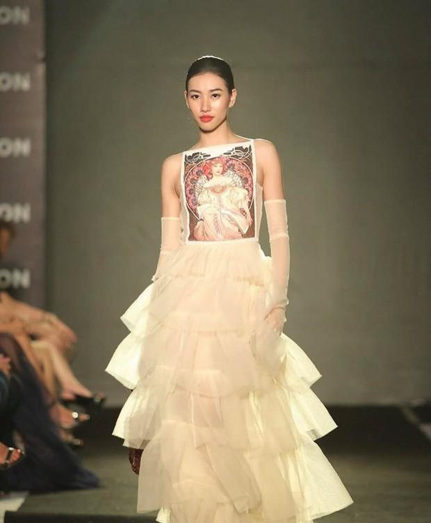 Mỹ nhân 9x vừa đăng quang Hoa hậu Hoàn vũ Lào: Xinh đẹp rụng rời, chiều cao khủng và nhiều điểm chung với Hoàng Thùy - Ảnh 5.
