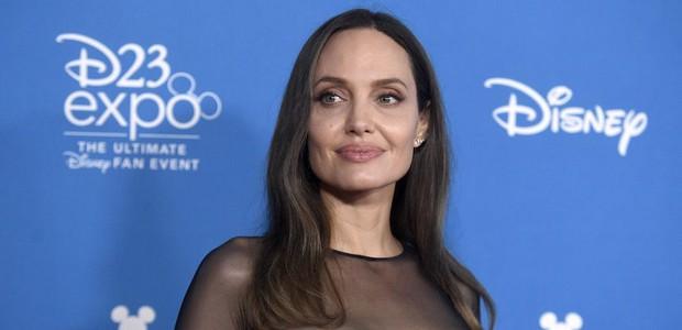 Gái nhiều con Angelina Jolie vẫn xinh mòn mắt, sánh đôi cùng tài tử Train To Busan giới thiệu The Eternals - Ảnh 6.