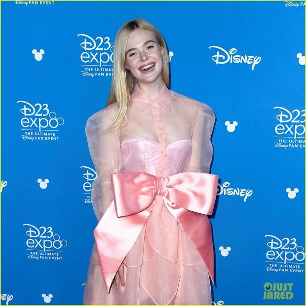 Thảm đỏ Disney hot nhất hôm nay: Quy tụ dàn sao Hollywood gạo cội, Elle Fanning thành tâm điểm với ngoại hình sến súa - Ảnh 4.