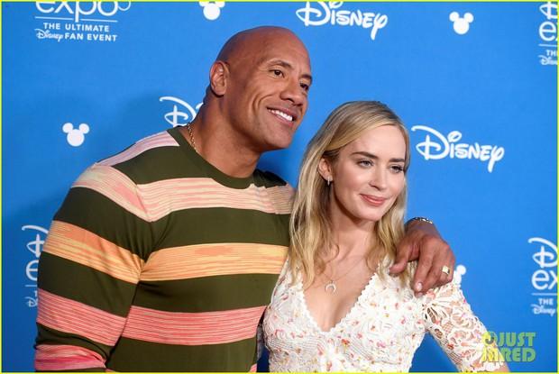 Thảm đỏ Disney hot nhất hôm nay: Quy tụ dàn sao Hollywood gạo cội, Elle Fanning thành tâm điểm với ngoại hình sến súa - Ảnh 9.