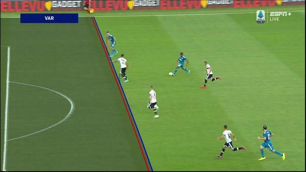 Ronaldo mất toi bàn thắng vì trót cong người, Juventus chỉ thắng sát nút ngày ra quân nhờ cái tên cực bất ngờ này - Ảnh 4.