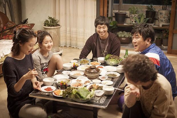 Cày bao nhiêu bộ phim Hàn, nhìn đồ ăn rõ hấp dẫn nhưng không phải ai cũng biết là phải tuân theo rất nhiều nguyên tắc - Ảnh 1.