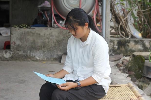 Điều kỳ diệu xuất hiện khi nữ sinh nghèo định cất giấy báo nhập học do mẹ bị ung thư - Ảnh 6.