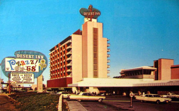 Bị khách sạn từ chối phục vụ, triệu phú này giải quyết bằng cách mua luôn khách sạn đó - Ảnh 2.