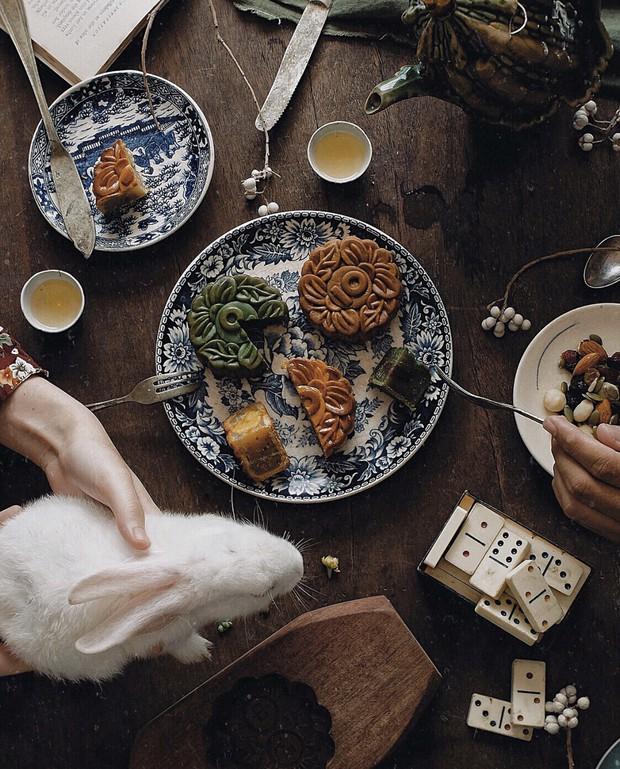 Học ngay những kiểu chụp ảnh đồ ăn chuẩn food blogger này để một người ăn nhưng cả friend list cùng ngon miệng - Ảnh 13.