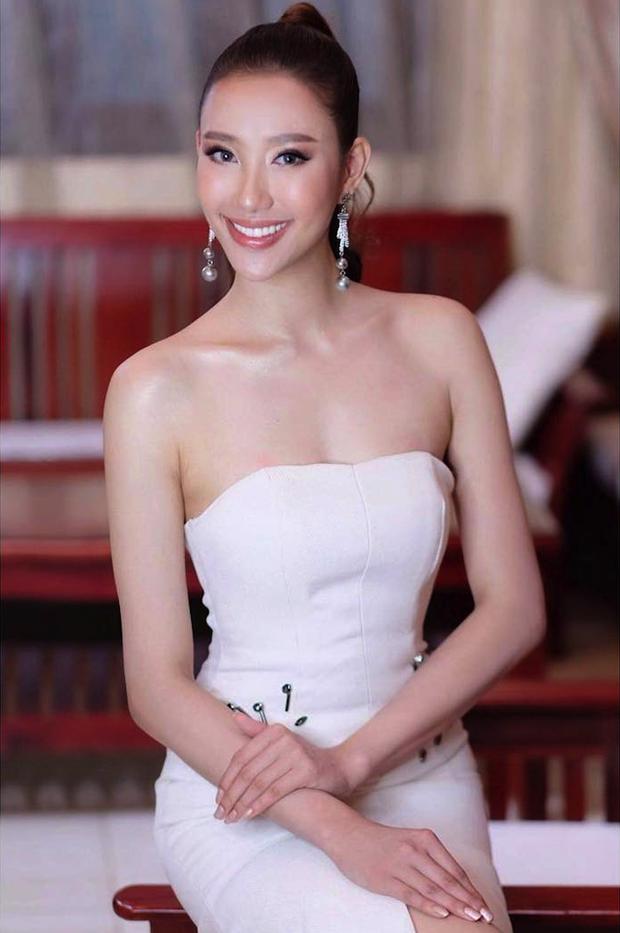 Mỹ nhân 9x vừa đăng quang Hoa hậu Hoàn vũ Lào: Xinh đẹp rụng rời, chiều cao khủng và nhiều điểm chung với Hoàng Thùy - Ảnh 6.