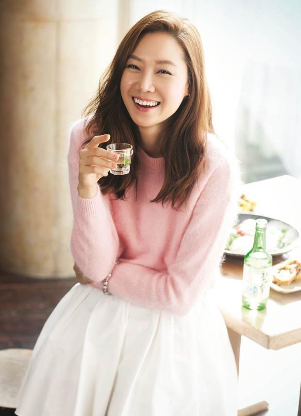 3 lí do nên đặt gạch hóng When Camellia Blooms: Chị đại Gong Hyo Jin thùy mị mà hết cả hồn! - Ảnh 1.