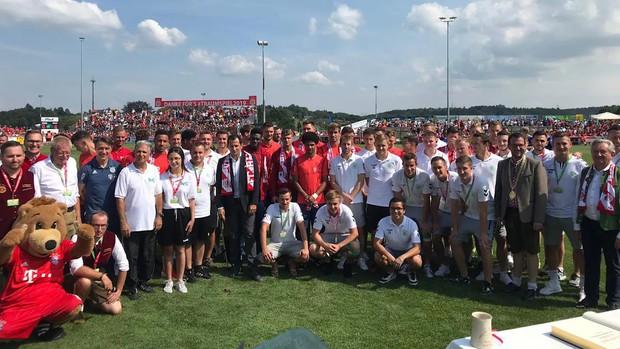 Góc nghiêm túc quá đà: Đội bóng hàng đầu nước Đức tung hàng loạt hảo thủ mới chiêu mộ, tặng một rổ hành cho dàn fan muốn thách thức thần tượng - Ảnh 3.