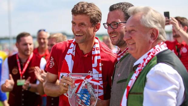 Góc nghiêm túc quá đà: Đội bóng hàng đầu nước Đức tung hàng loạt hảo thủ mới chiêu mộ, tặng một rổ hành cho dàn fan muốn thách thức thần tượng - Ảnh 5.