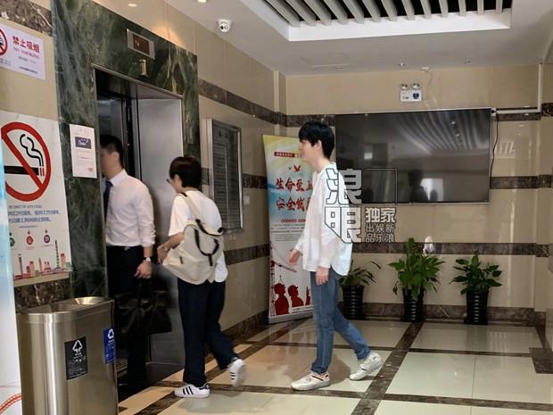 1 ngày sau scandal nghi vấn lộ clip sex, nam thành viên Produce 101 bản Trung lộ diện với thái độ bất ngờ - Ảnh 7.