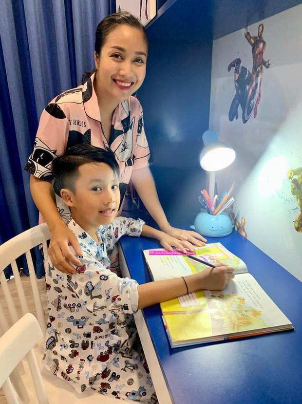 Ốc Thanh Vân kể chuyện con trai 8 tuổi lo lắng vì vụ cháy rừng Amazon - Ảnh 1.