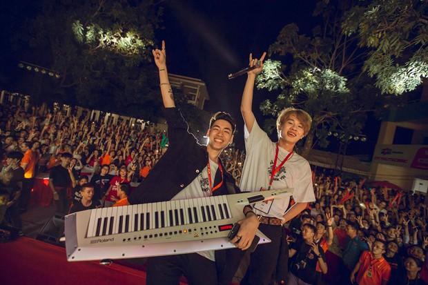 """Jack và K-ICM nổi tiếng """"thần tốc"""" chỉ trong 6 tháng: Vừa ra mắt đã ôm loạt kỉ lục Vpop, đến Sơn Tùng cũng phải dè chừng - Ảnh 8."""