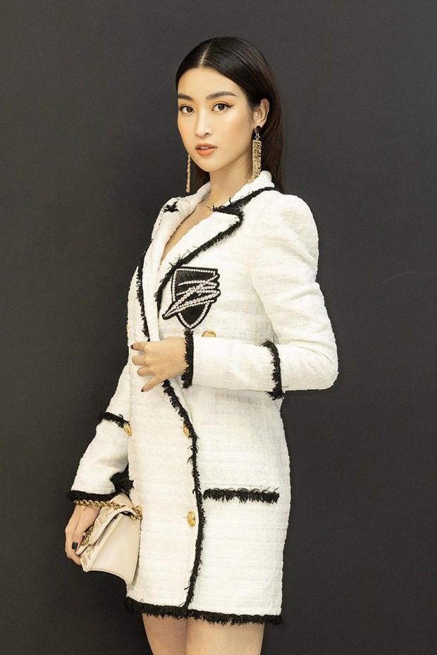 Đỗ Mỹ Linh khác lạ, lột xác từ bánh bèo thành mỹ nhân đầy cá tính sau 3 năm đăng quang Hoa hậu - Ảnh 4.