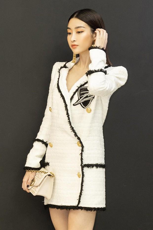 Đỗ Mỹ Linh khác lạ, lột xác từ bánh bèo thành mỹ nhân đầy cá tính sau 3 năm đăng quang Hoa hậu - Ảnh 3.