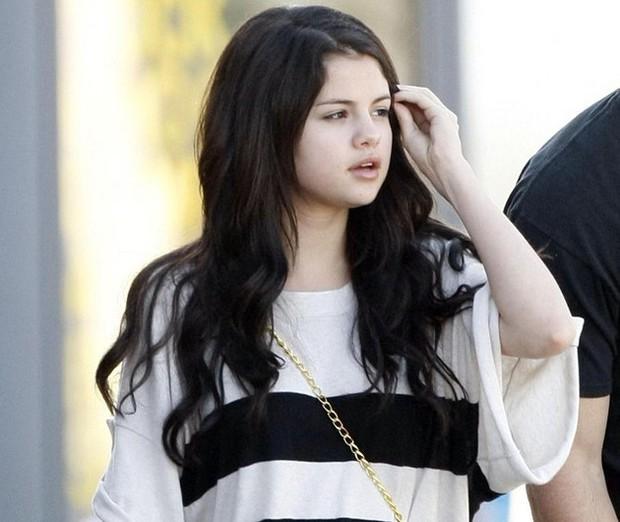 Mặt mộc gây ngỡ ngàng của dàn mỹ nhân Hollywood: Taylor, Kylie và Hadid xuất sắc nhưng Selena vẫn đỉnh nhất - Ảnh 5.
