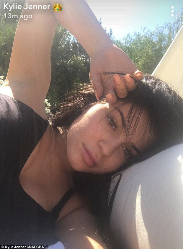 Mặt mộc gây ngỡ ngàng của dàn mỹ nhân Hollywood: Taylor, Kylie và Hadid xuất sắc nhưng Selena vẫn đỉnh nhất - Ảnh 19.