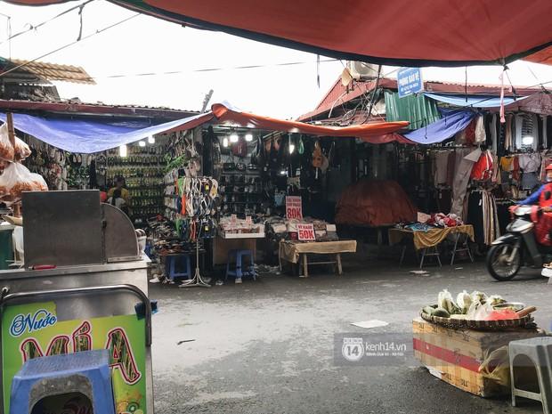 Khám phá chợ Nhà Xanh nổi tiếng nhất nhì giới sinh viên Hà Nội: Đi 5 bước 15 tiếng chửi, xem đồ mà không mua coi chừng ăn đánh nghe chưa! - Ảnh 6.