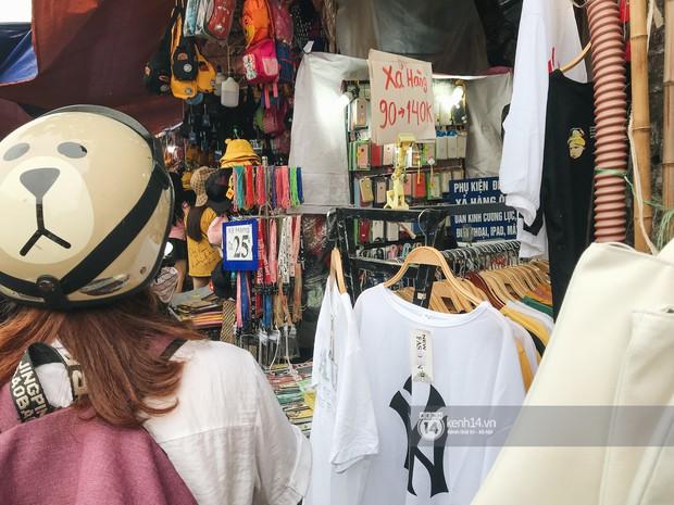 Khám phá chợ Nhà Xanh nổi tiếng nhất nhì giới sinh viên Hà Nội: Đi 5 bước 15 tiếng chửi, xem đồ mà không mua coi chừng ăn đánh nghe chưa! - Ảnh 4.