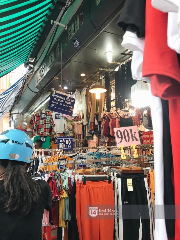 Khám phá chợ Nhà Xanh nổi tiếng nhất nhì giới sinh viên Hà Nội: Đi 5 bước 15 tiếng chửi, xem đồ mà không mua coi chừng ăn đánh nghe chưa! - Ảnh 2.
