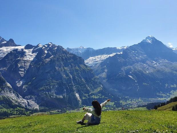 """Đoạn clip 4 triệu view quay trò trượt ròng rọc lơ lửng giữa núi Thuỵ Sĩ bị cư dân mạng """"bóc mẽ"""": """"Đẹp thì đẹp, nhưng sao chậm thế?"""" - Ảnh 7."""