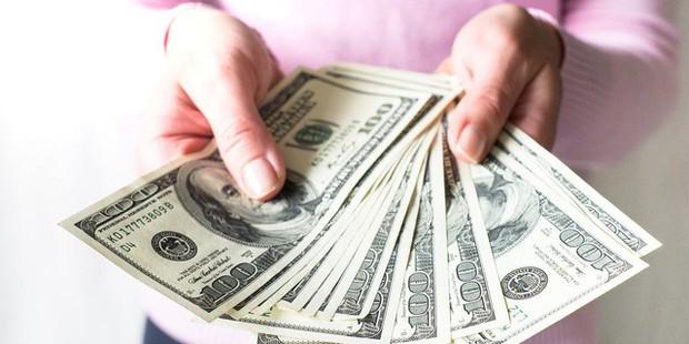 Triệu phú tự thân cảnh báo người trẻ: Tự lừa dối bản thân bằng 6 suy nghĩ này về tiền bạc, bạn sẽ chẳng bao giờ giàu nổi! - Ảnh 1.