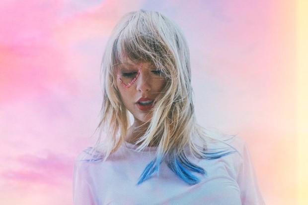 """ARMY tố album mới của Taylor Swift """"bắt chước"""" BTS, ai ngờ nhận cái kết bị phản đòn ê chề - Ảnh 1."""