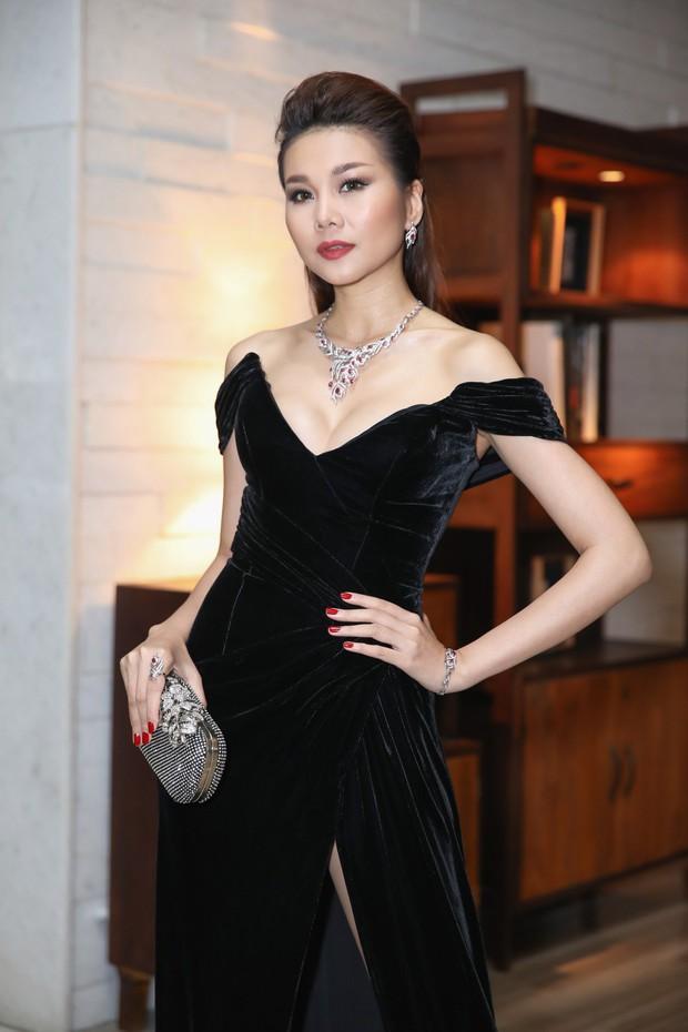 Cặp đôi phá đảo làng mốt Việt chính thức ngồi ghế giám khảo quyền lực Hoa hậu Hoàn vũ Việt Nam 2019 - Ảnh 3.