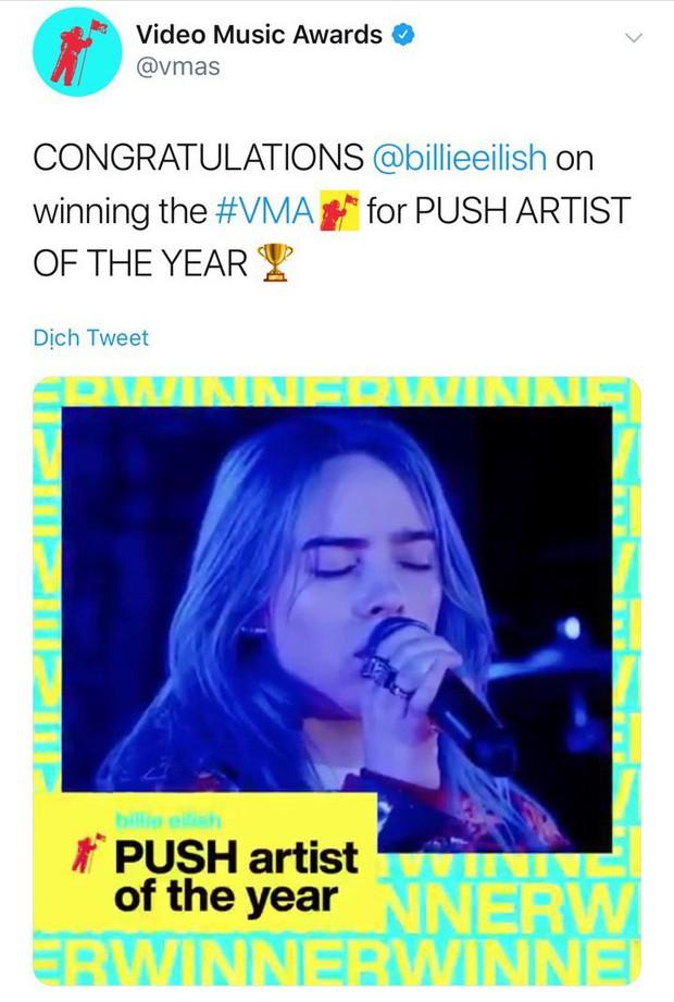 Từ Ariana Grande, Billie Eilish đến BTS lập hội anh chị em ngồi nhà xem TV nhưng vẫn có cúp VMAs 2019 mang về - Ảnh 5.