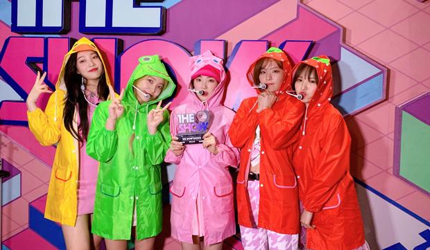 Red Velvet đốn hạ tân binh bị tố đạo BLACKPINK, bắt kịp GFRIEND để lọt top 3 cùng SNSD và TWICE - Ảnh 3.
