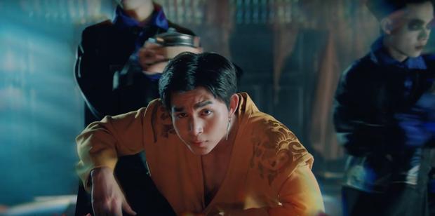 Ngô Kiến Huy khoe mông trần; Trương Thế Vinh lần đầu đóng nữ chính trong MV mới thực sự làm người xem muốn Truyền thái y - Ảnh 2.