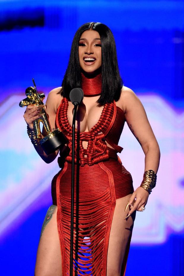 Missy Elliott, Cardi B cùng liên quân có màn trả thù đẫm máu trên sân khấu VMAs 2019, Nicki Minaj không đi dự âu cũng là lẽ đúng - Ảnh 5.