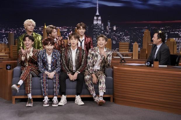 Khi nghệ sĩ Vpop và Kpop song kiếm hợp bích: Thanh Bùi tạo hit cho BTS, Hồ Quỳnh Hương như thành viên thứ 3 của Davichi - Ảnh 2.