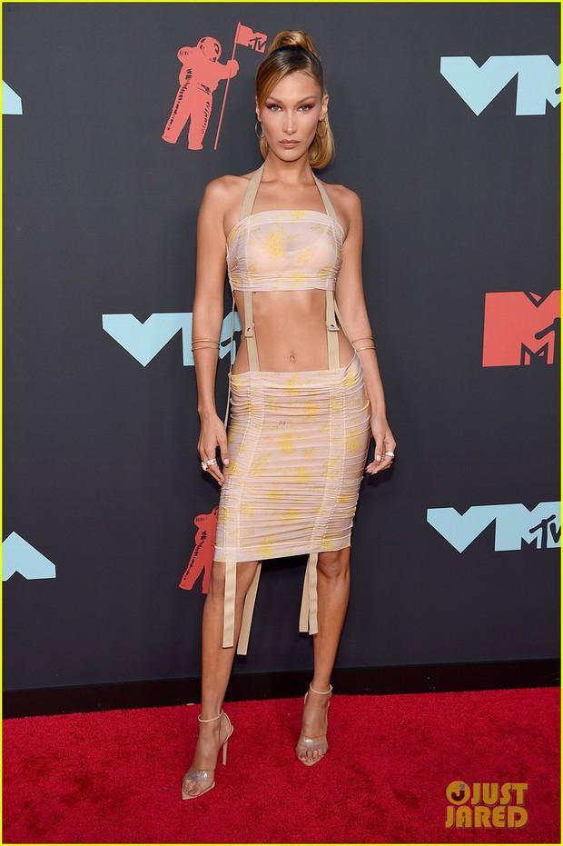 Thảm đỏ VMAs 2019 hội tụ dàn siêu sao: Taylor Swift đỉnh cao đọ sắc chị em siêu mẫu Hadid, Shawn - Camila bất ngờ tách lẻ - Ảnh 8.
