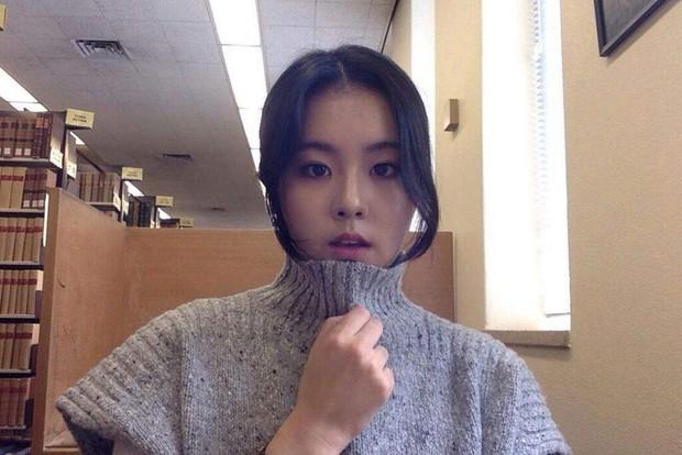 Chị ruột Rosé (BLACKPINK) gây bão mạng: Đẹp cực phẩm, na ná Jisoo và dàn mỹ nhân Hàn, trình độ học vấn còn choáng hơn - Ảnh 2.
