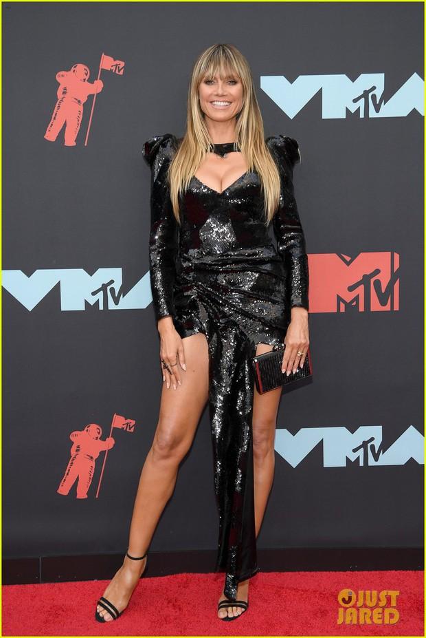 Thảm đỏ VMAs 2019 hội tụ dàn siêu sao: Taylor Swift đỉnh cao đọ sắc chị em siêu mẫu Hadid, Shawn - Camila bất ngờ tách lẻ - Ảnh 15.