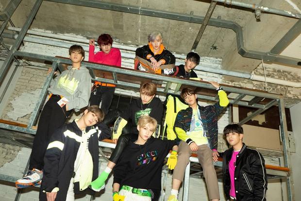 """Những nhóm idol sáng tác nhạc """"cây nhà lá vườn"""": Gà YG và JYP áp đảo, có đúng 2 đại diện nữ góp mặt - Ảnh 26."""