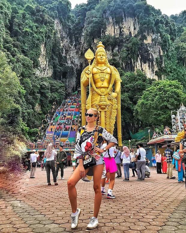Tỉnh mộng trước nấc thang cầu vồng nổi tiếng nhất Malaysia: Nhìn hình sống ảo thì phát ham, nhưng thực tế lại phũ phàng hơn! - Ảnh 19.