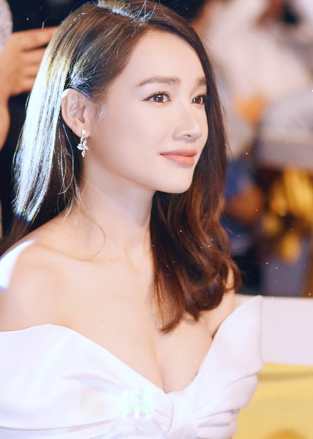 So kè style 3 nàng ngọc nữ 1990 của điện ảnh Việt: Người chăm diện đồ trễ nải, người thích diện đồ xì-tin hack tuổi - Ảnh 2.