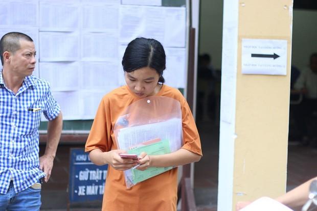 Nữ sinh bố mất, mẹ ung thư nặng đã nhập Trường ĐH Dược Hà Nội - Ảnh 2.