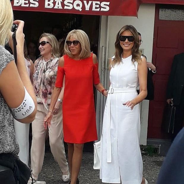 Đệ nhất phu nhân Pháp như trợ lý đi cạnh Melania Trump do sai lầm khi chọn trang phục - Ảnh 3.