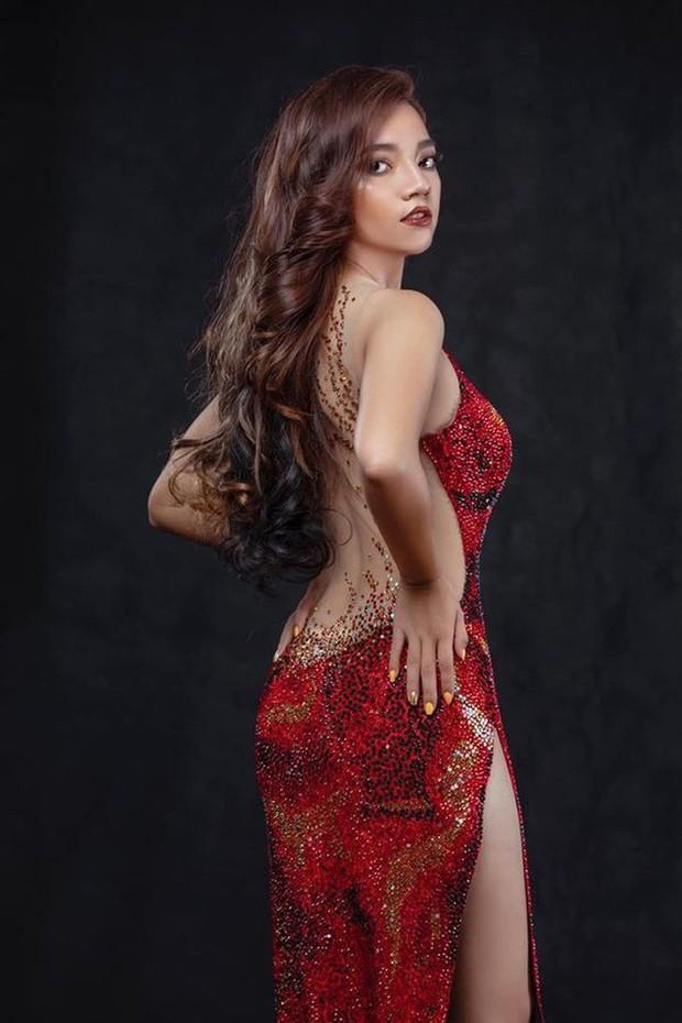 Sau Lê Âu Ngân Anh lộ nội y, lại thêm thí sinh HH Myanmar ngã dúi dụi trên sân khấu khi diện váy đạo của Catriona Gray - Ảnh 7.