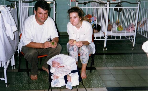 Cô gái 24 năm làm con nuôi trên đất Pháp và hành trình tìm lại mẹ ruột ở Việt Nam: Tôi luôn mong mỏi được gặp bà, dù trong hoàn cảnh nào - Ảnh 2.