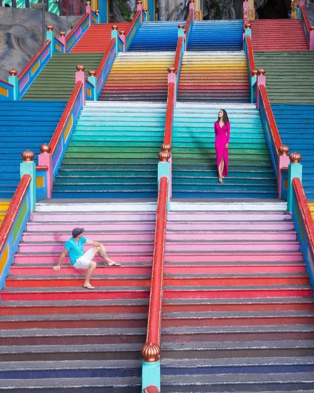 Tỉnh mộng trước nấc thang cầu vồng nổi tiếng nhất Malaysia: Nhìn hình sống ảo thì phát ham, nhưng thực tế lại phũ phàng hơn! - Ảnh 10.