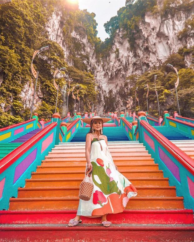 Tỉnh mộng trước nấc thang cầu vồng nổi tiếng nhất Malaysia: Nhìn hình sống ảo thì phát ham, nhưng thực tế lại phũ phàng hơn! - Ảnh 14.